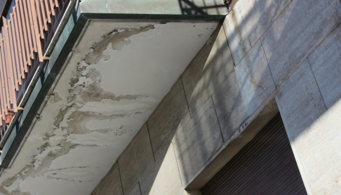 how to fix leaking balcony